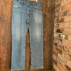 Regular Fit Medium Wash Straight Leg Blue Jeans